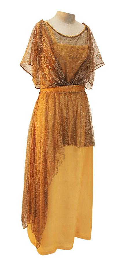 Jahrhundertwende Kleid aus Seide mit goldener Spitze