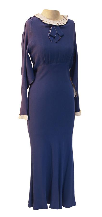 20er Jahre Kleid aus Baumwolle mit Faltenkragen