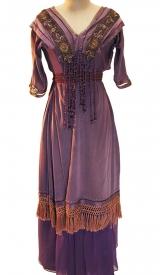 Jahrhundertwende Kleid lila Samt mit Fransenporte