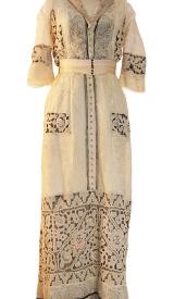 Jahrhundertwende Kleid mit Spitzenbesatz, um 1915