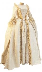 Rokoko Kleid um 1760 aus Brokat mit aufgearbeiteter Spitze