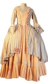 Rokoko Kleid um 1760 aus Jacquard mit Stoffrüschen